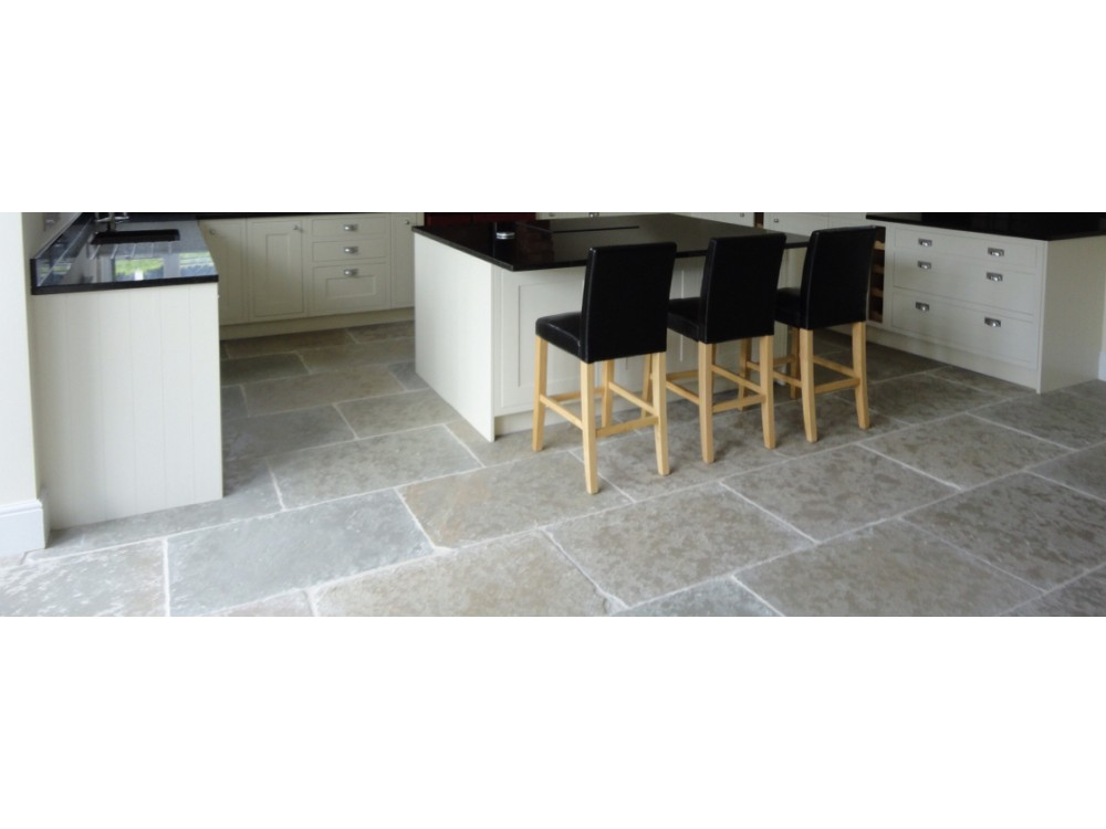 Jaipur 900x600x24mm Tumbled & Brushed Limestone *SALE* only £25 psm + VAT